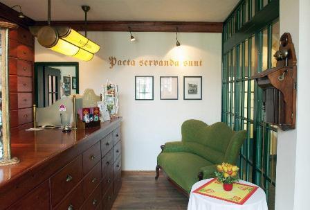 insel r gen urlaub sehensw rdigkeiten hotels unterk nfte romantik hotel kaufmannshof. Black Bedroom Furniture Sets. Home Design Ideas